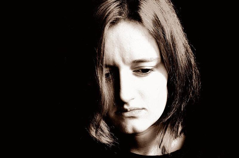 niepowodzenie leczenia_smutna kobieta