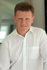dr Krzysztof Jacko